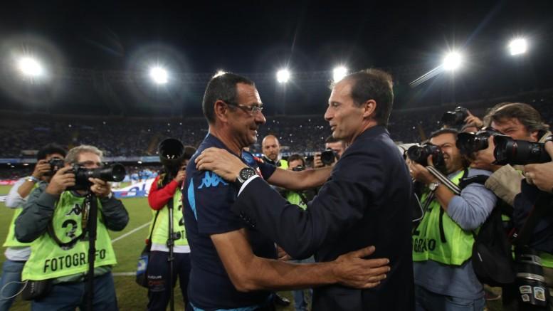 L'abbraccio tra Sarri ed Allegri al San Paolo (foto Ansa.it)