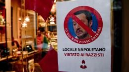 Napoli: divieto di entrata per Salvini