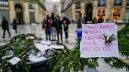 Natale: rubato albero in Galleria a Napoli