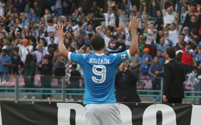 Napoli-Fiorentina 2-1: l'esultanza di Gonzalo Higuain