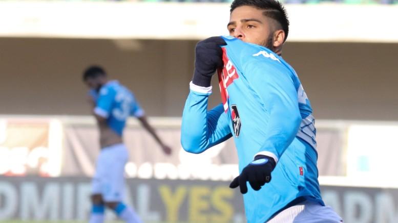 Lorenzo Insigne festeggia dopo il gol segnato al Verona